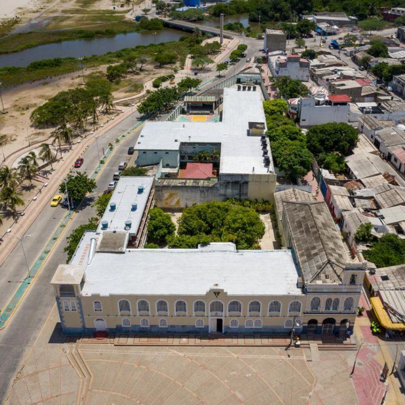 foto aerea casa y colegio Divina Pastora Riohacha